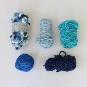 Wolle blau Noppenwolle